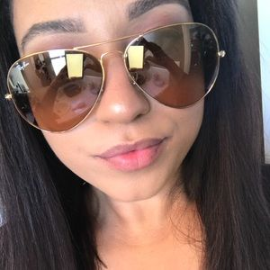 Ray ban rose gold aviators